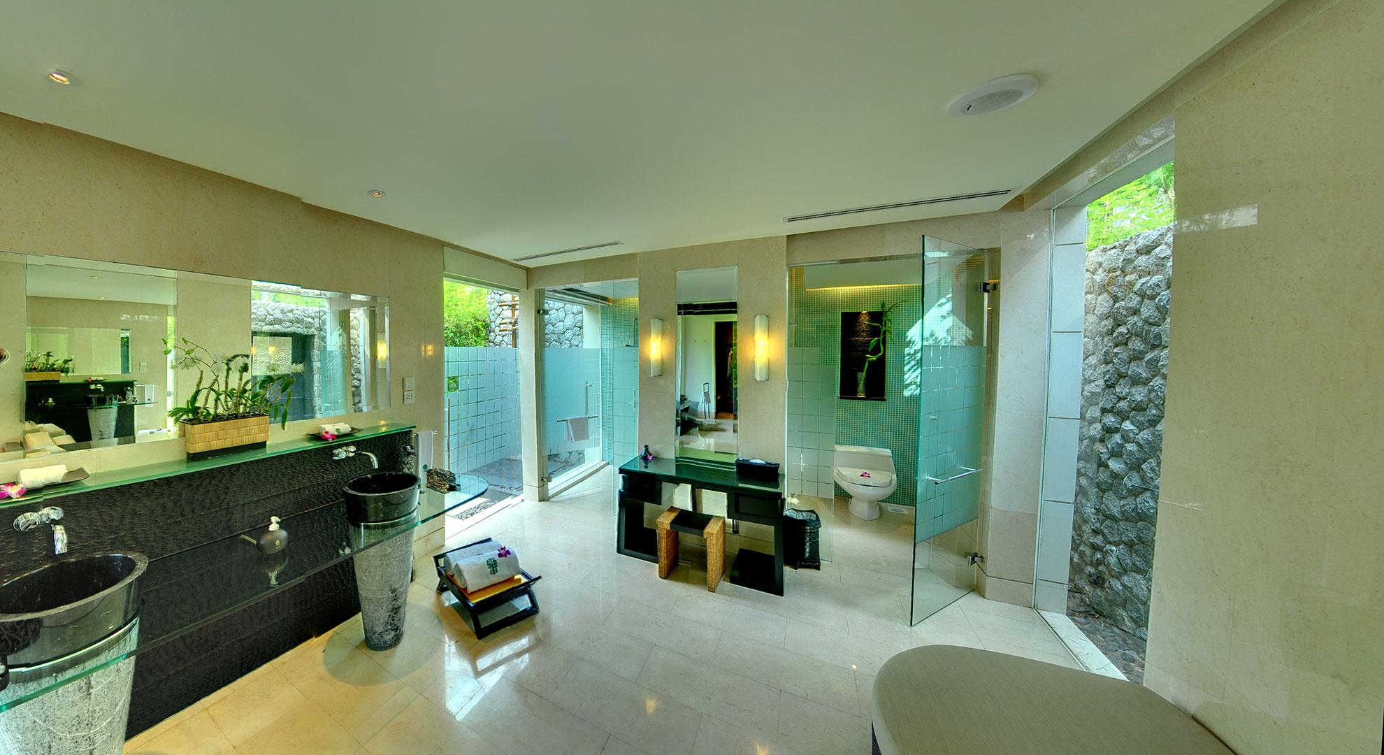 One-Bedroom DoublePool Villas (MASTER BATHROOM)
